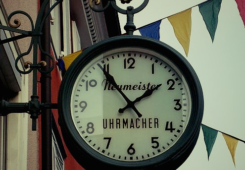 800px-Uhr_Stockach_Fotor